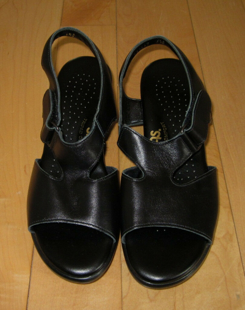 New SAS Wms Cute Black Sandals Heels 6.5 S