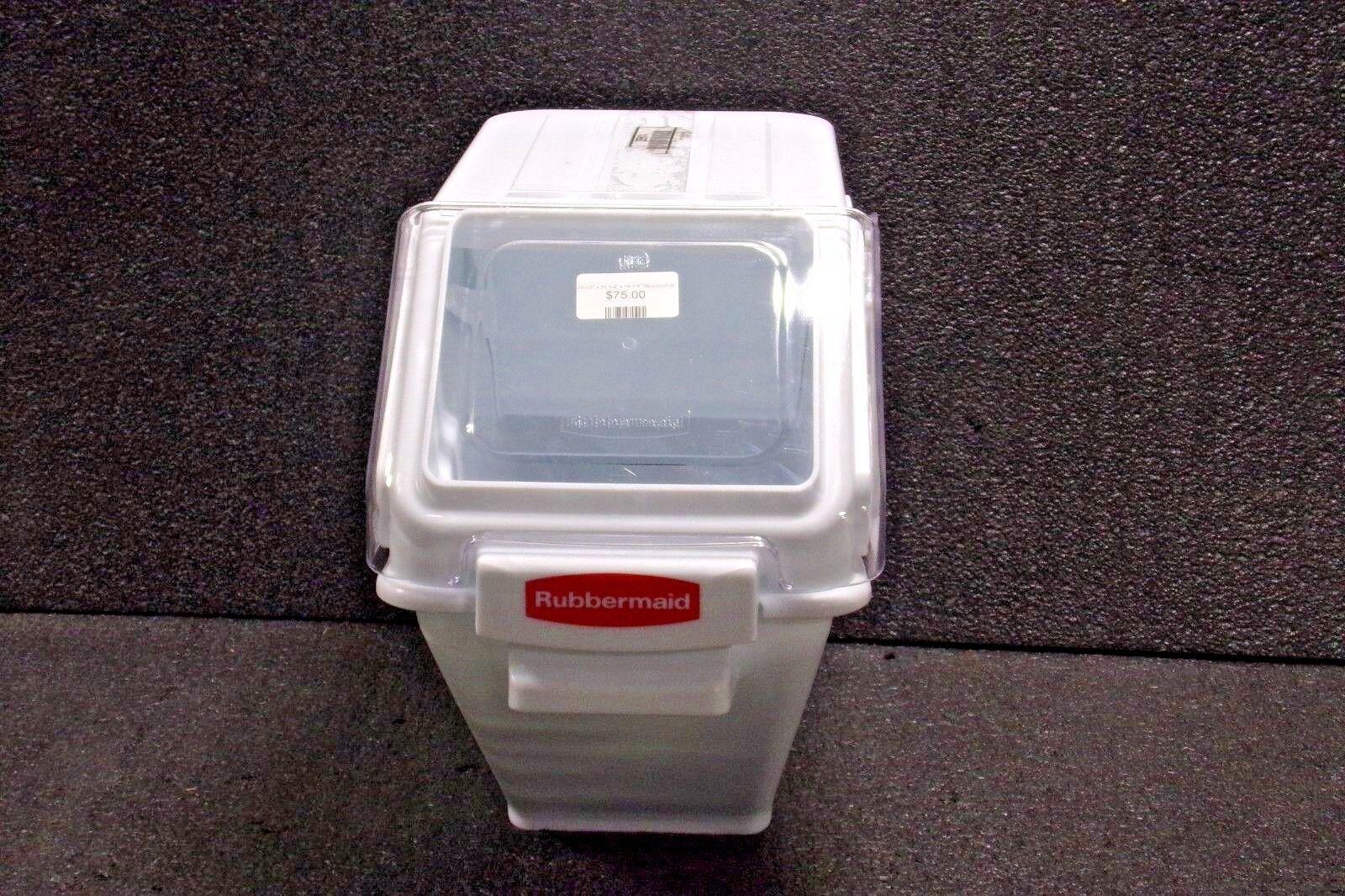 RUBBERMAID 23-1 2  X 11-1 2  X 16-7 8  Cubo de almacenamiento masivo web estructural, blancoo