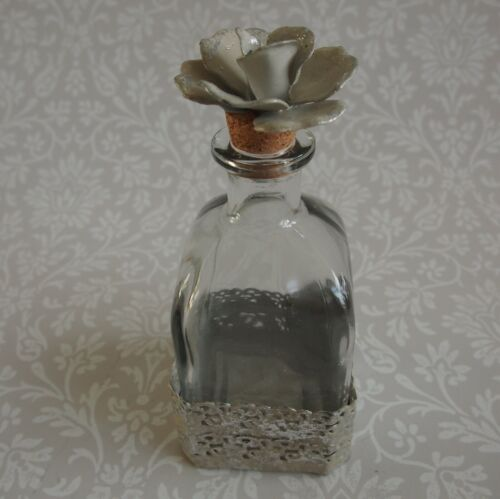 Home Decor Small Chic Rose Stopper Glass Bottle Metal Lace Base 13x7x7cm