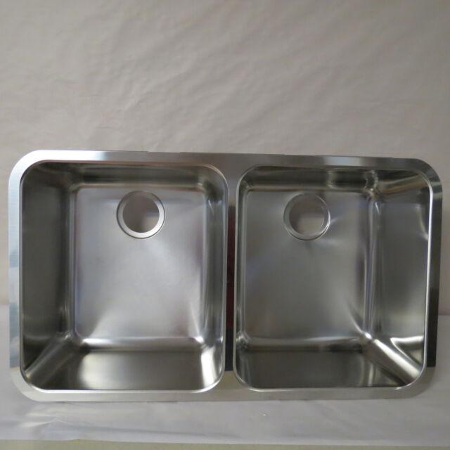 Franke Lax12034 Largo 34 Inch Equal Double Bowl Undermount Kitchen Sink