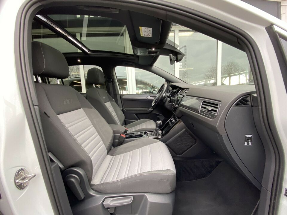 VW Touran 2,0 TDi 150 R-line DSG Diesel aut. Automatgear