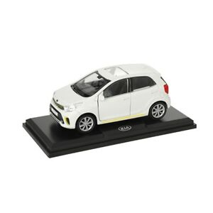 Kia-Picanto-Modellauto-Massstab-1-33-snow-white-schnee-weiss-Sammlermodell-NEU
