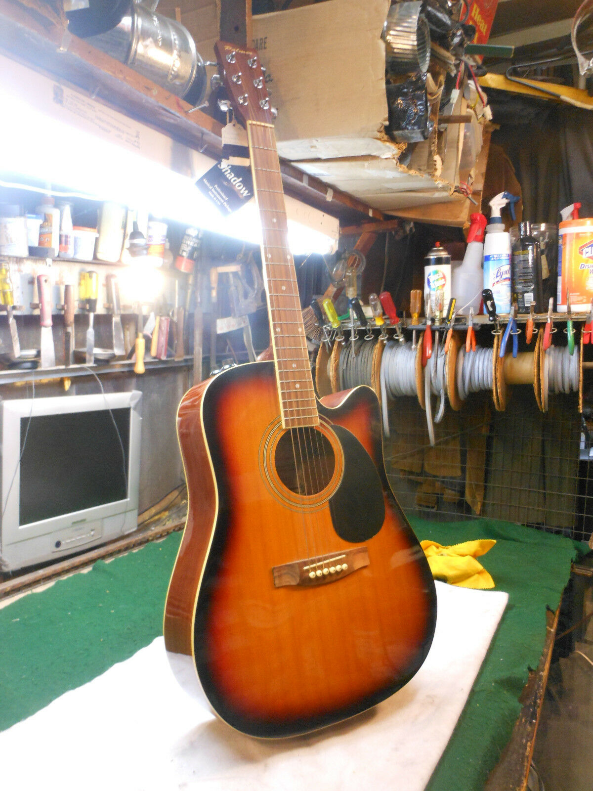 PALMER ACOUSTIC ELECTRIC Venecian cuttaway. needs work high action