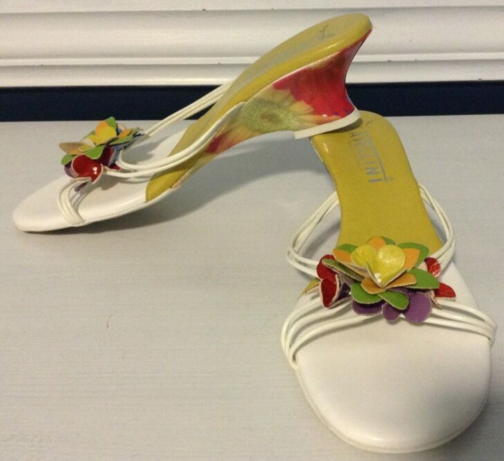 Avellini Floral Wedges Made In  Sz 7 7 1 2
