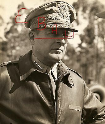 WWII 8X10 PHOTOGRAPH GEN. MACARTHUR CANDID CLOSE UP 5 STARS LOOK PACIFIC WWII