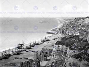 HASTINGS-VIEW-FROM-THE-EAST-CLIFF-ENGLAND-OLD-BW-PHOTO-PRINT-POSTER-907BWB