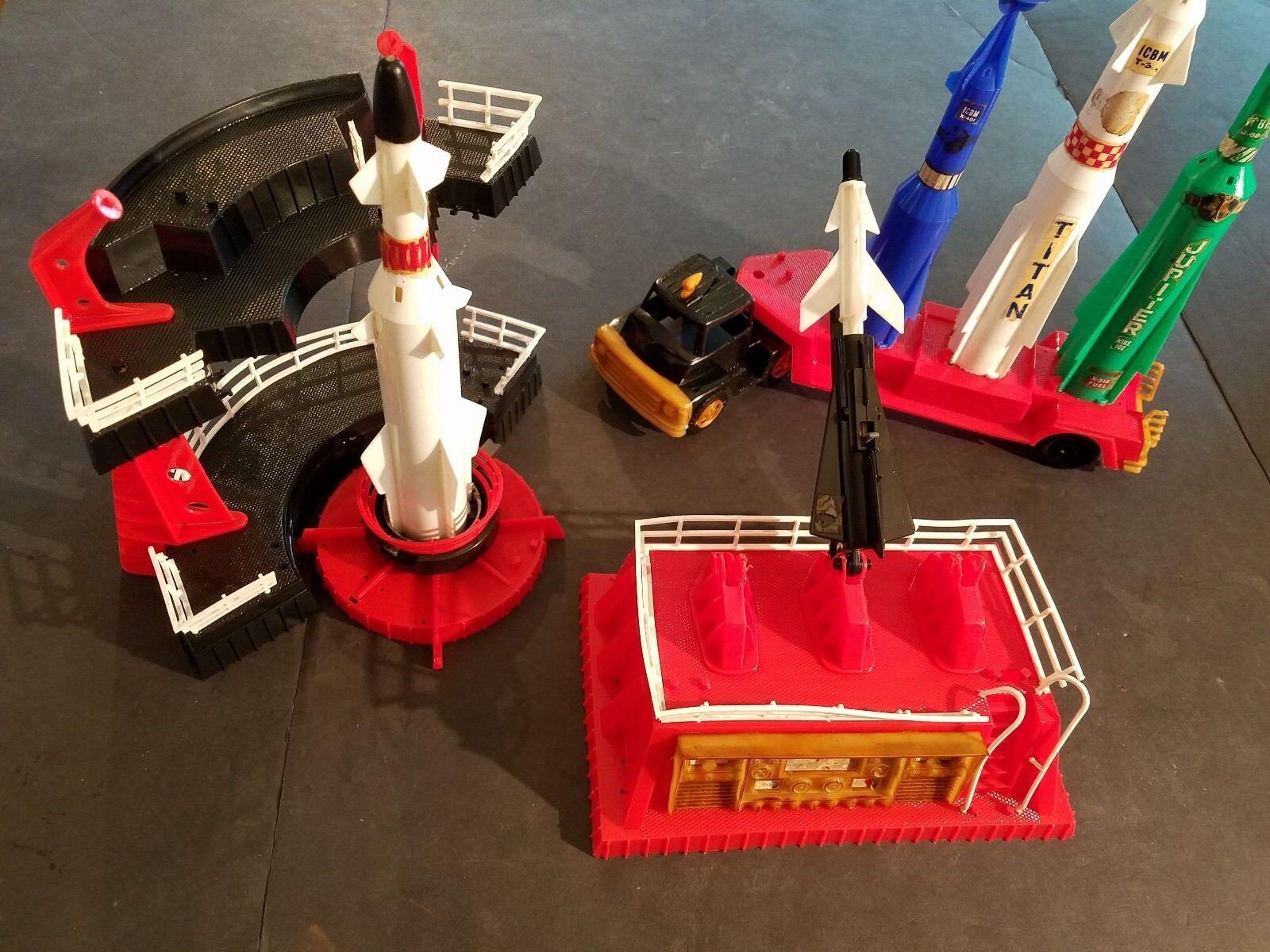 Raro 597ms de Luxe Juguete Co (Londres) No.32 Cohete Base EEUU Plástico Set