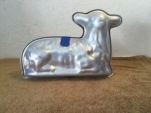 Vintage-12-034-Cast-Aluminum-Two-Part-Lamb-Chocolate-Mold-Unbranded