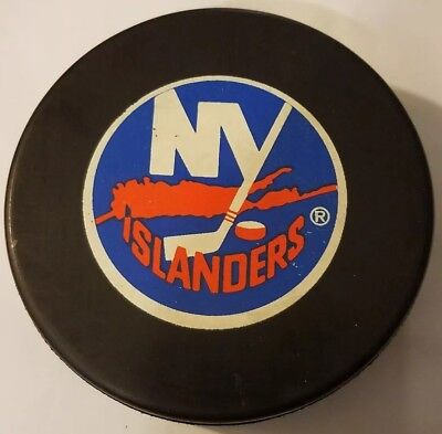 Hockey-other Vintage New York Islanders Hockey Puck Nhl Official Czechoslovakia Inglasco