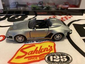 1-38-Maisto-Escala-Porsche-911-Speedster-Tire-hacia-atras-Modelo-de-envio-gratuito