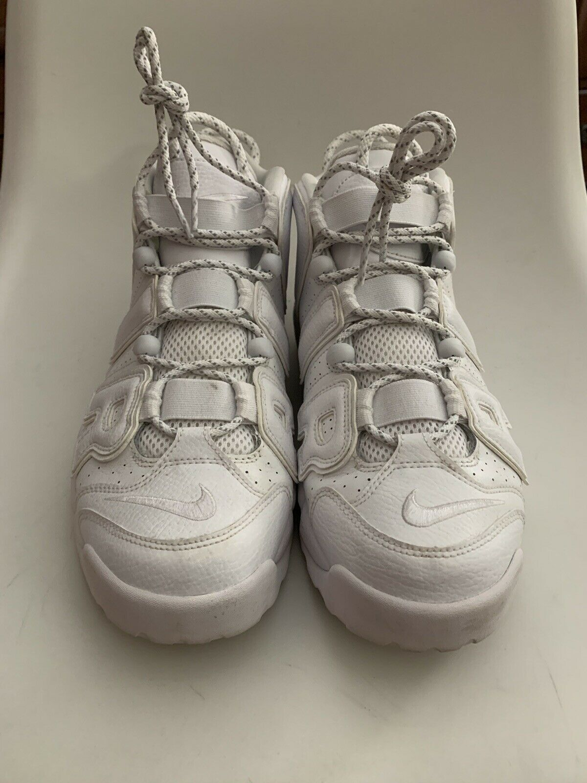 NIKE AIR MORE UPTEMPO 96 TRIPLE WHITE PRE OWNED SIZE 10.5
