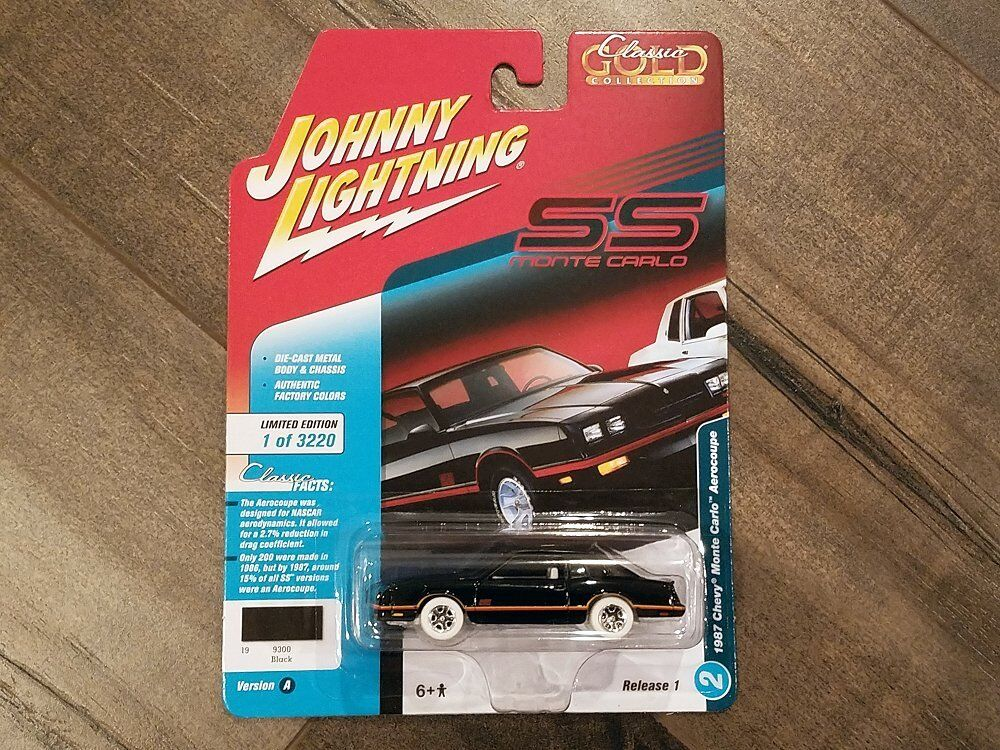 Johnny Lightning 1 64 1987 Chevy Monte Carlo Aerocoupe JLCP7106 Chase Car