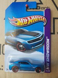 Hotwheels-2013-039-13-Chevy-Camaro-Special-Edition-BLUE-CAR-NEAR-MINT-CARD-GOOD