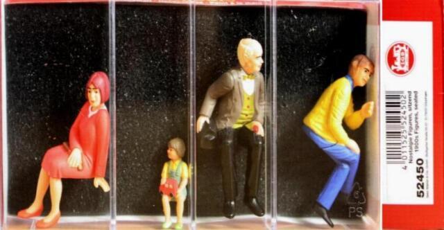 LGB 52450 G - vier Nostalgie Figuren, sitzend NEU & OvP