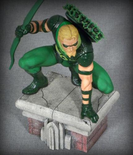 Multicolor One-Size DIAMOND SELECT TOYS DC Gallery Green Arrow PVC Figure