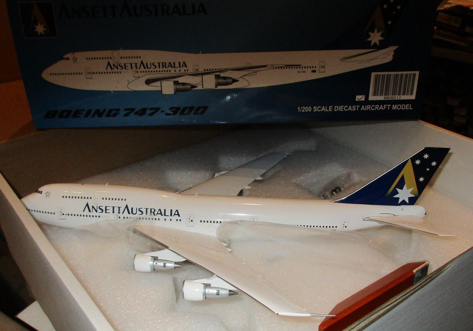 JC Wings 1 200 - Ansett Australia Airlines  747-300   VH-INH  - BBOX215
