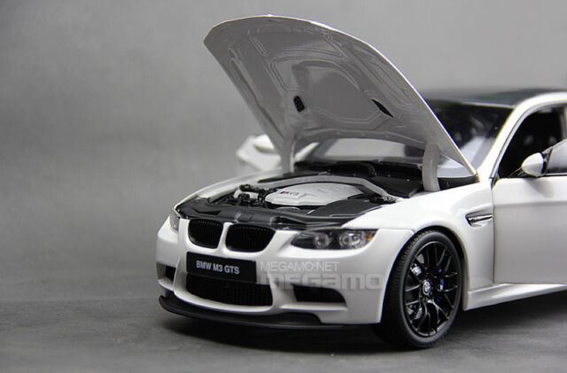 Genuine Kyosho Bmw M3 Gts E92 White Carbon Model Car 1 18 Ebay