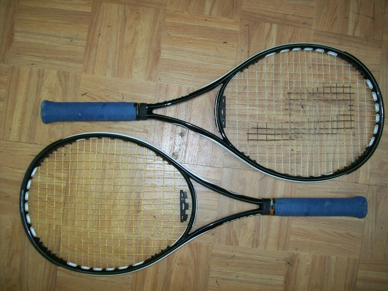 (1) Prince O3 SpeedPort bianca 100 head 4 3/8 grip Tennis Racquet
