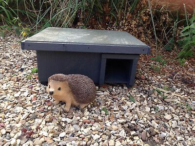 Hedgehog Feeder//House Nest Box