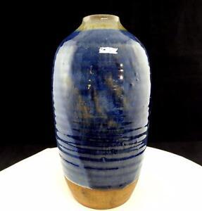 KAY-PERRINE-SIGNED-ART-POTTERY-9-1-4-034-BLUE-GLAZE-RIBBED-VASE