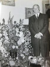 Photo presse vintage 1963 anniversaire 75 ans de Maurice Chevalier Acteur