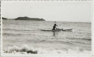 PHOTO-ANCIENNE-VINTAGE-SNAPSHOT-MER-BATEAU-CANOE-SEA-BOAT-KAYAK
