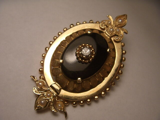 Magnificent Victorian 14K Yellow gold Onyx Diamond Seed Pearl Pendant Brooch Pin