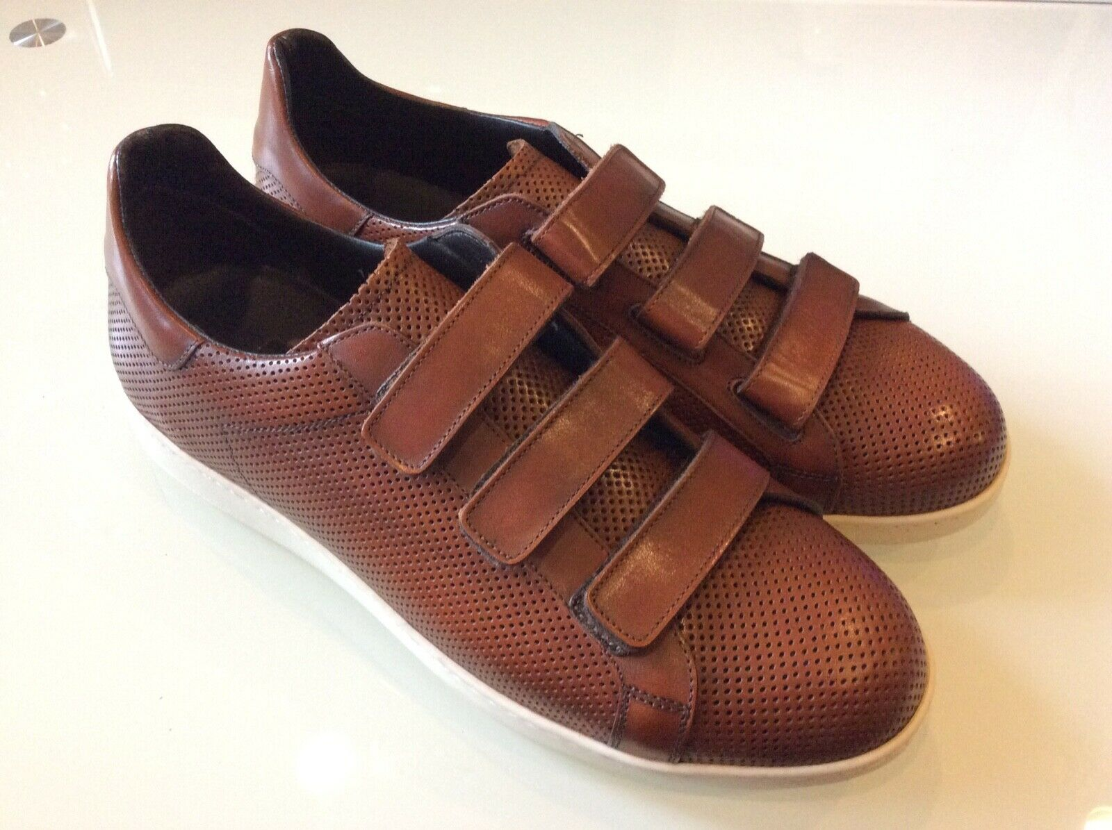 To Boot New York Men's Adelphi Tan Leather  Straps Sneakers Size 10.