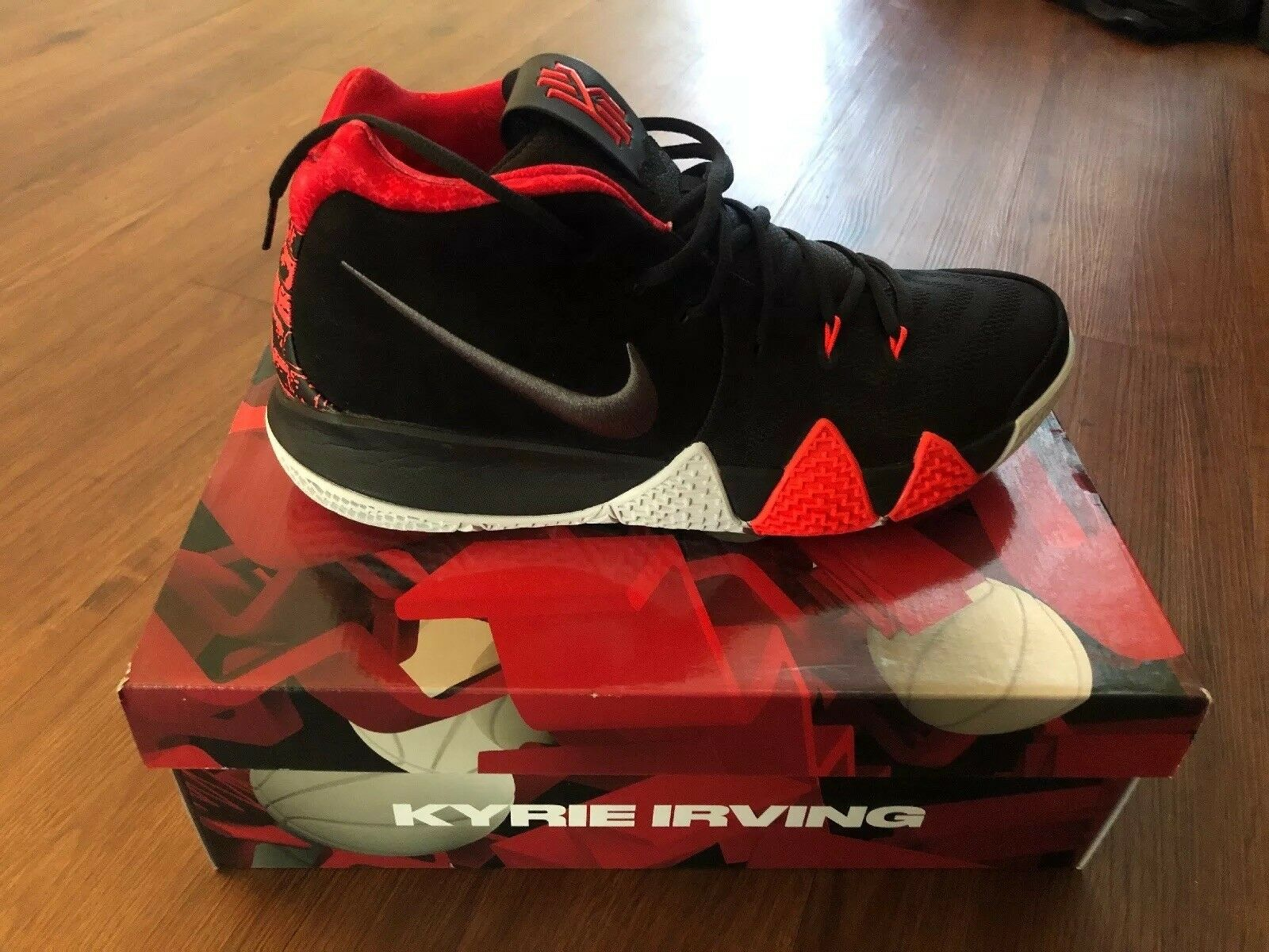 BRAND BRAND BRAND NEW NIKE KYRIE IRVING 4 SHOES SIZE 12 01944b