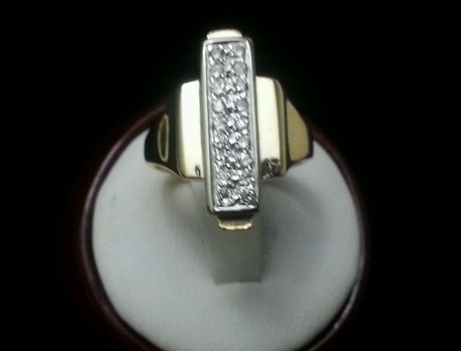 Solid 14K Yellow gold Ladies Ring with Rectangular Shape