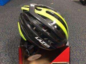 lazer-z1-helmet-new-small-52-56cm-Flash-Black-and-green-Bag-amp-aeroshell-inc
