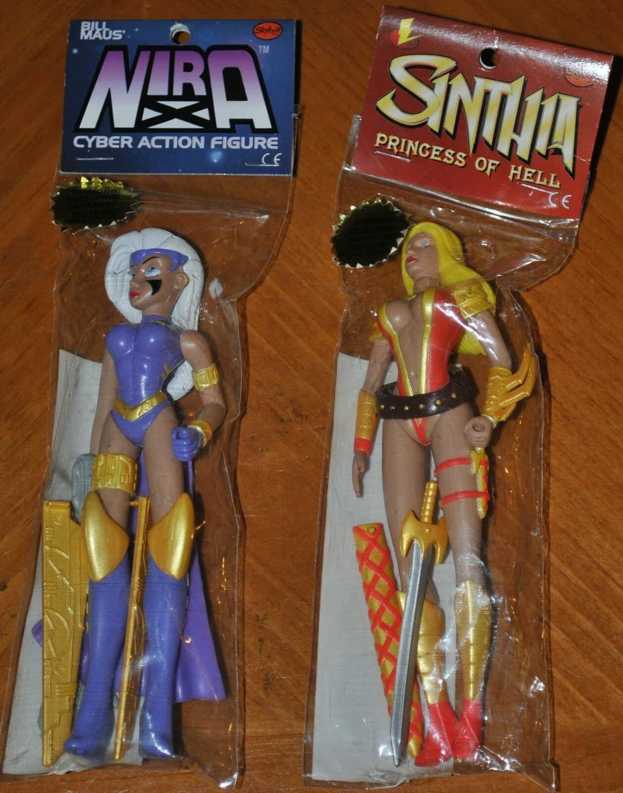 SINTHIA PRINCESS OF HELL & NIRA CYBER ACTION FIGURE JAPANESE EDITION 1000 MADE