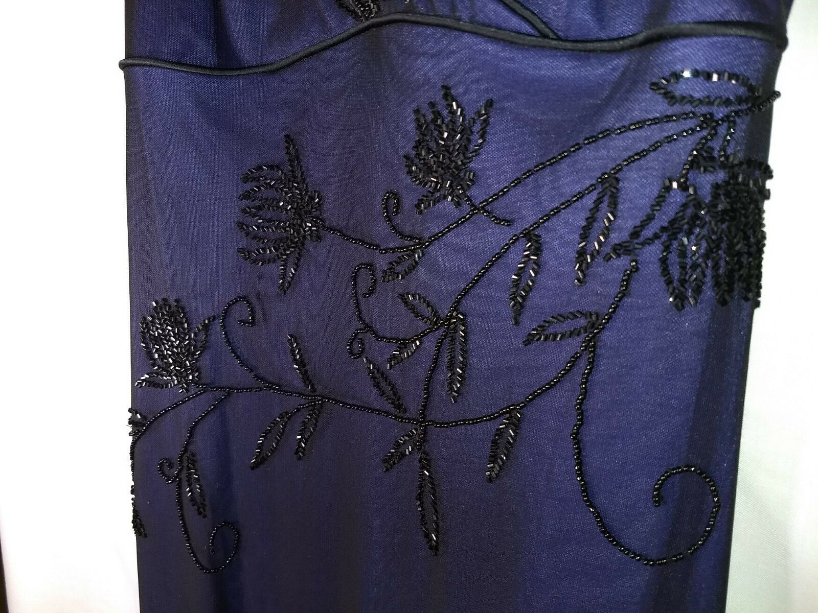 Rimini by Shaw deep deep deep purple, beaded floor-length gown, size 6. Excellent cond. 023647