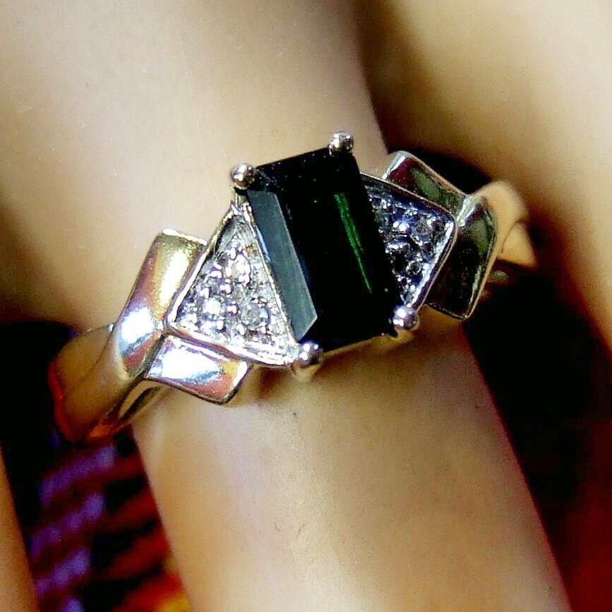 9 ct gold second hand diamond & tourmaline ring