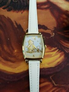 Disney-SII-Seiko-WINNIE-the-POOH-and-Piglet-Watch-NEW-BATTERY-and-white-band