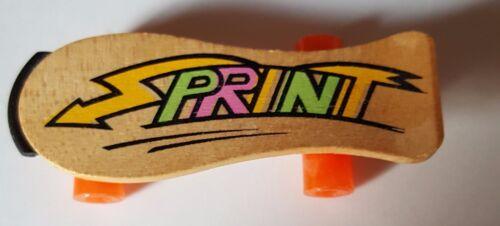 Skateboard für die Puppen-Kinderstube aus Holz