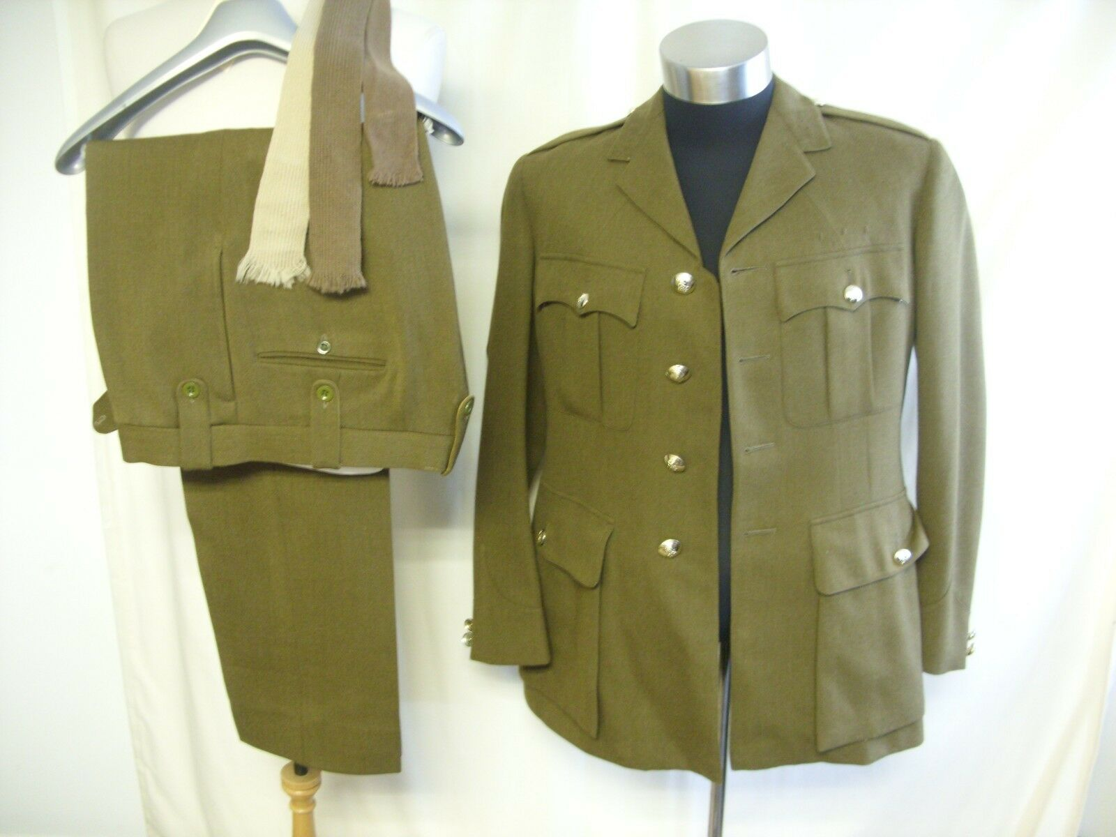 Mens Military Suit Moss Bros, British Army no.2 dress, khaki, chest 40