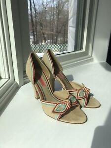 aeef07a2c0 Betsey Johnson d'Orsay Nude Bow Pumps Heels FABULOUS Size 7 | eBay
