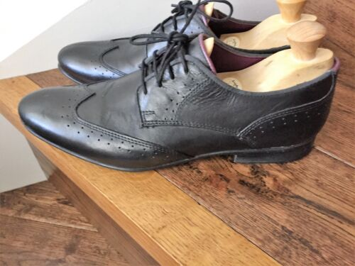 A Stylish Pair of 'Frank Wright' Mens Leather Shoes. supplier