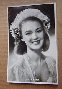 Vintage-film-star-postcard-Susan-Shaw-unposted