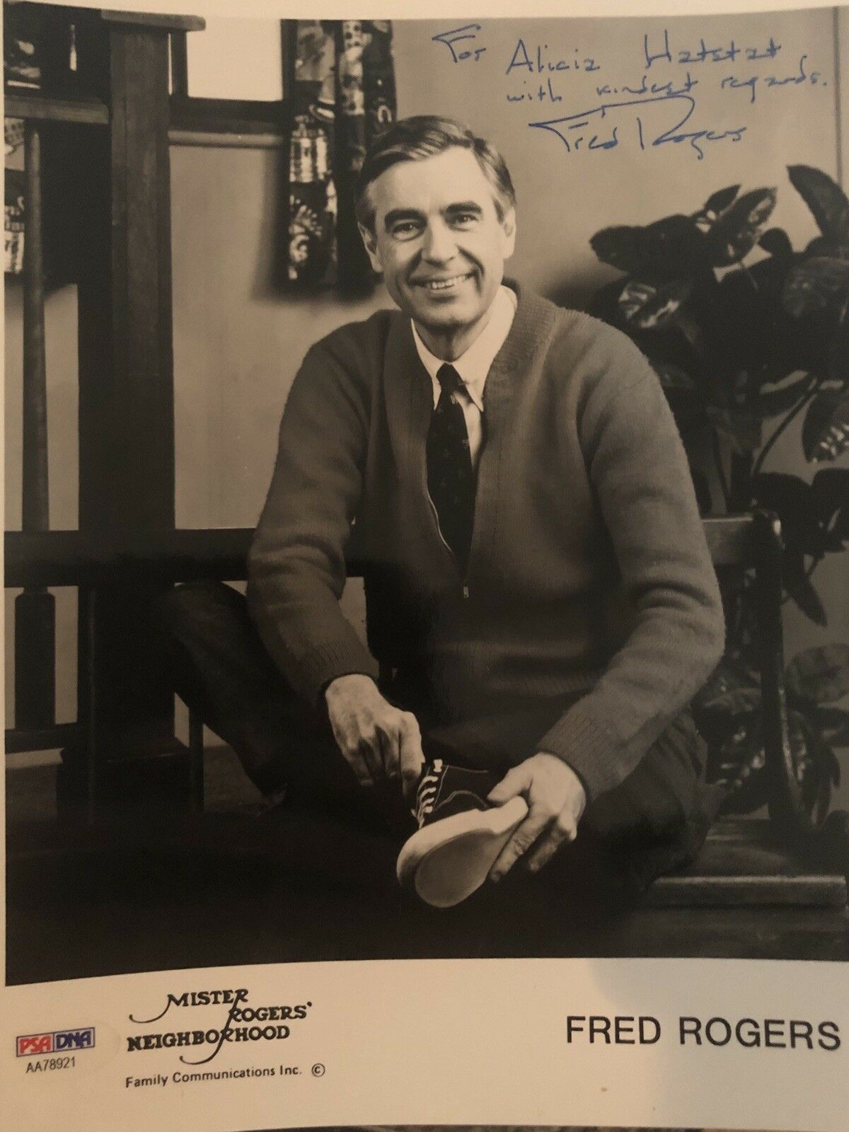 Mister Fred Rogers Signed Autograph Psa Dna Certified 8x10 Photograph Ebay