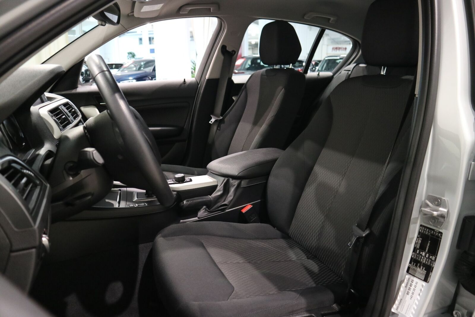 BMW 118i 1,5 Connected aut. - billede 9