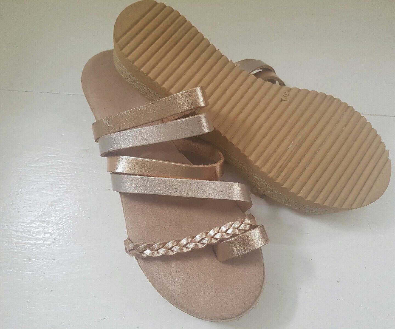 NEW GREEK LEATHER FLATFORM SANDALS GOLD Schuhe METALLIC ROSE GOLD SANDALS SIZE 7.5 084957