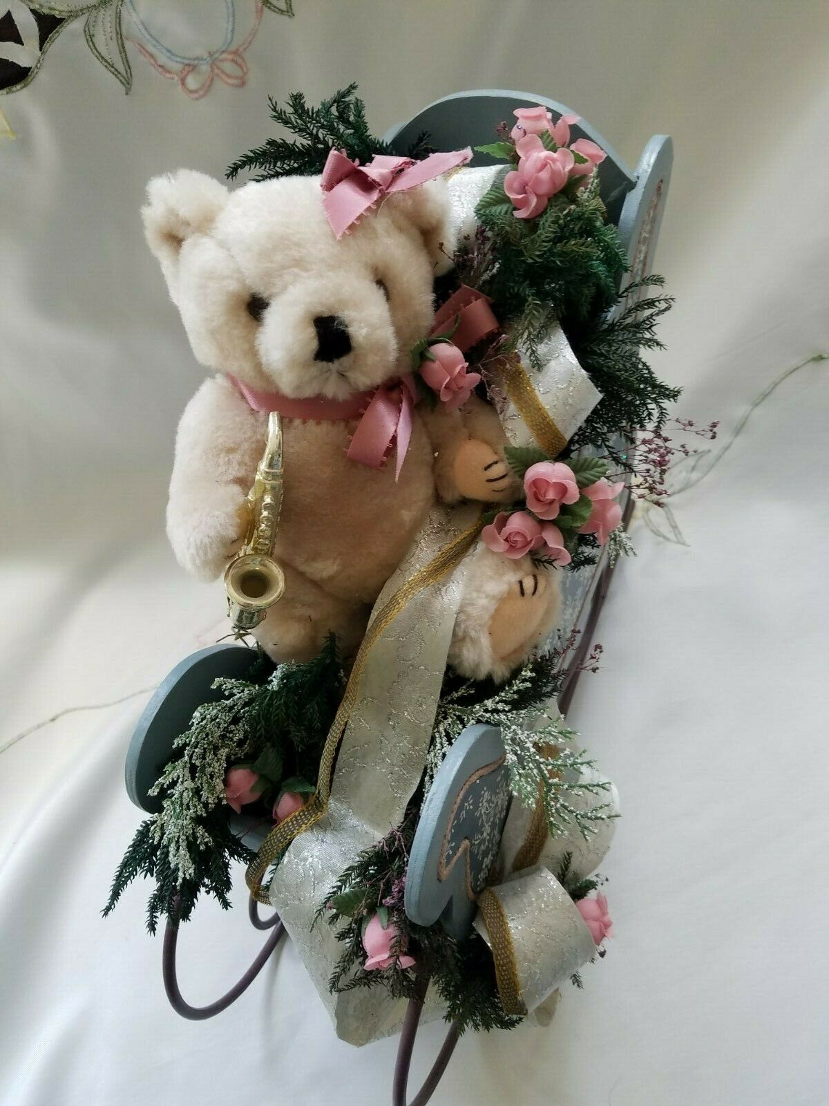 Beautiful Wood & Metal Sleigh w Jointed Teddy Bear w Saxophone Suede Paws 15 x11