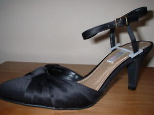 BLACK SATIN WIDE FIT ANKLE STRAP HEELS FORMAL OCCASION COURT SHOES SIZE 3//36