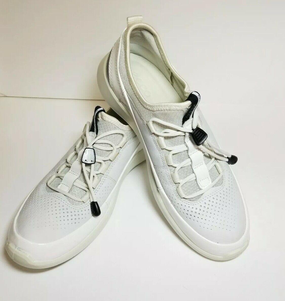 New sz 6 Ecco Soft 5 Toggle White Womens Fashion Sneaker Slip On Size 37M