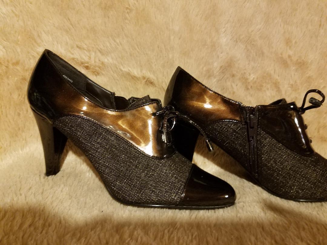 Impo shoes Tabby Br Plaid Sz 10 M NEW