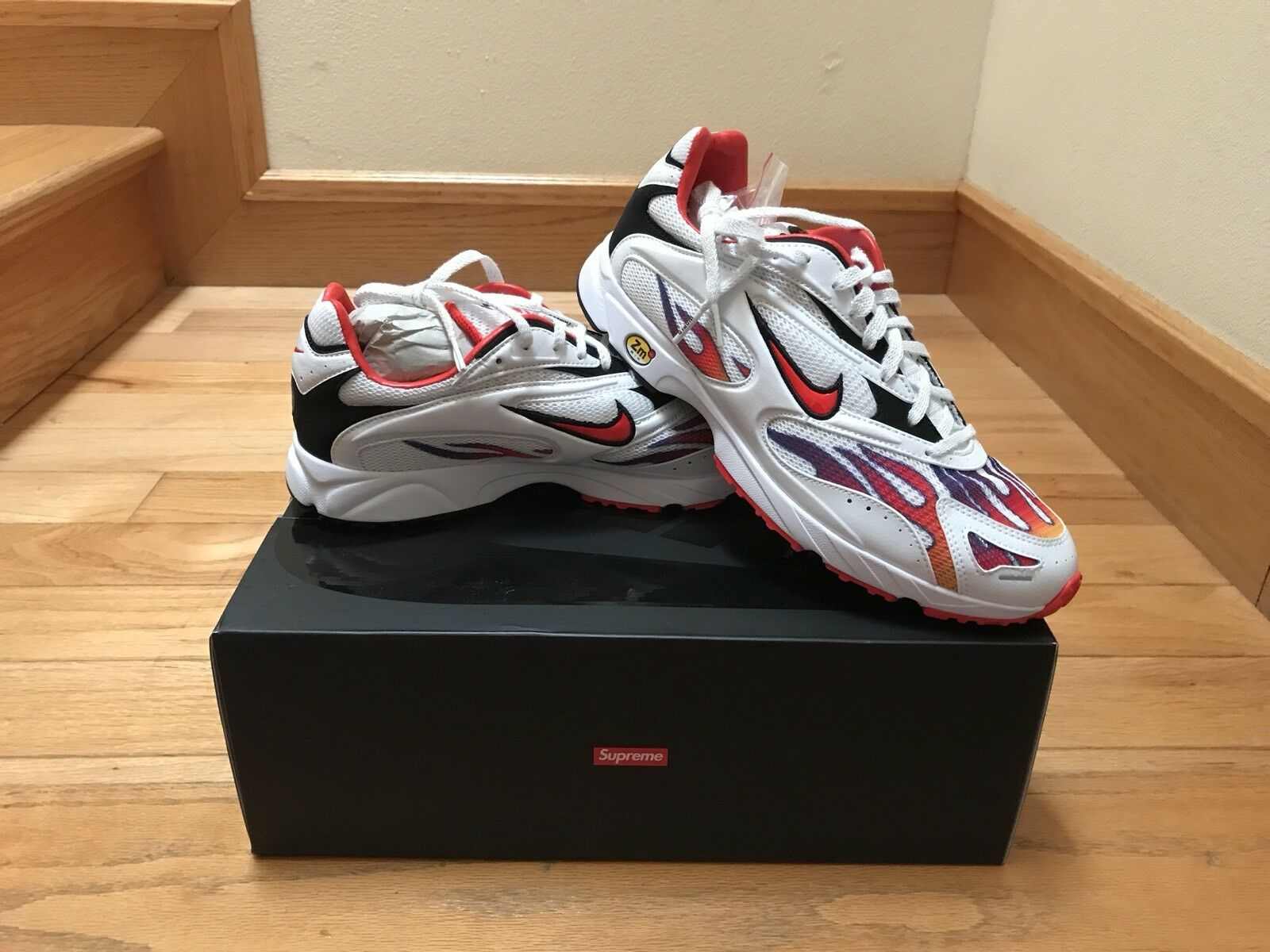Supreme x Nike Zoom Streak Spectrum Plus White AQ1279-100 Size 9.5