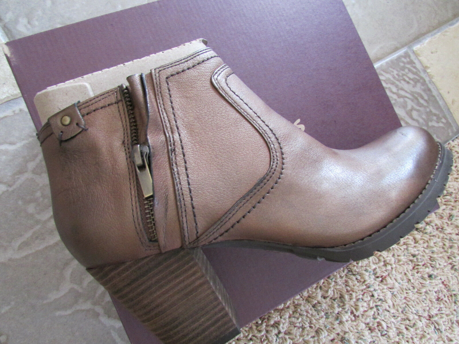 NEU CLARKS MISSION HALLE BROWN ANKLE BOOTS BOOTIES  Damenschuhe 9.5  LEATHER ZIP SIDE