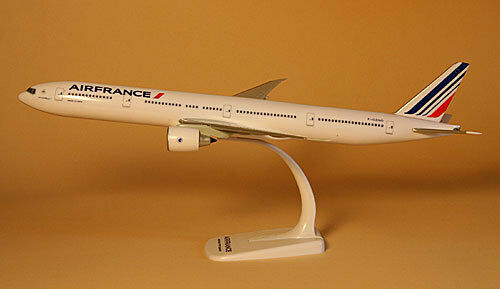 Air France Boeing 777-300ER 1 200 Herpa Snap-Fit FlugzeugModell 608909 608909 608909 NEU B777 db888c